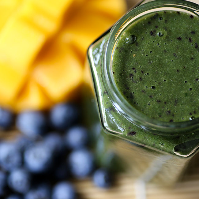 NuZest Mango Blueberry Good Green Smoothie
